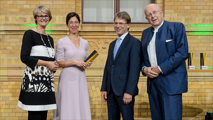 Alexander von Humboldt-Professur