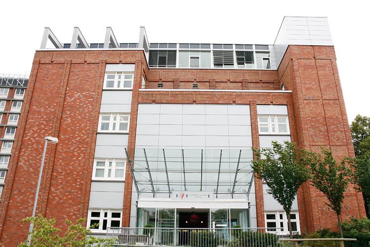 Einrichtung Universit T Hamburg