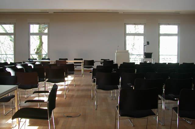 info raum 221 esa 1 w raum und h rsaalvergabe universit t hamburg. Black Bedroom Furniture Sets. Home Design Ideas